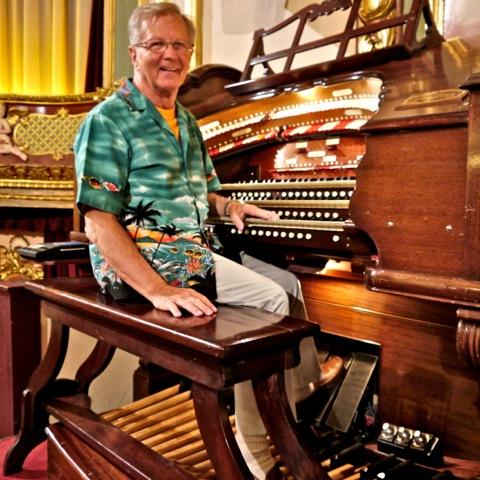 bob_at_the_organ